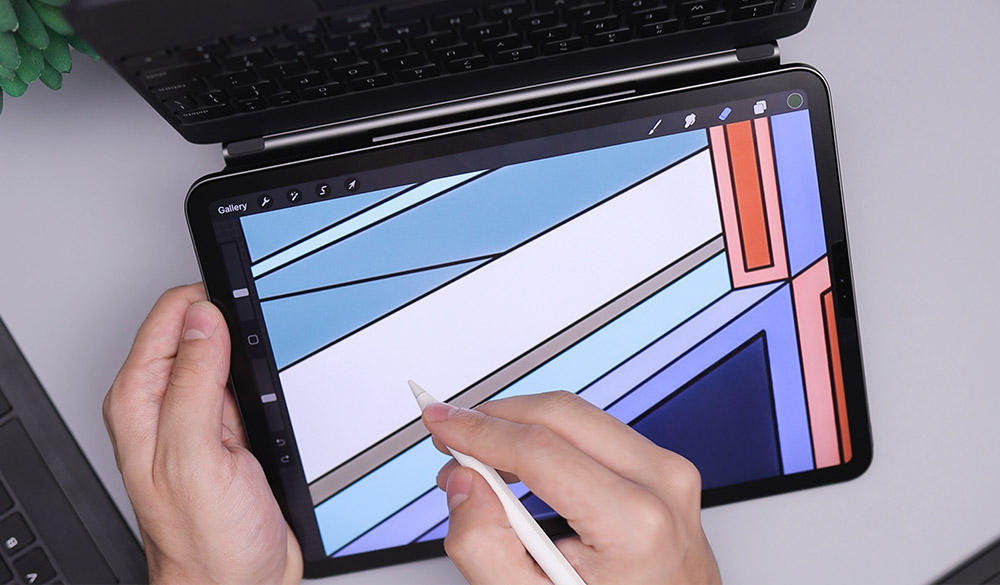 Surface Pro or the iPad Pro - which is a better drawing tablet for artist
