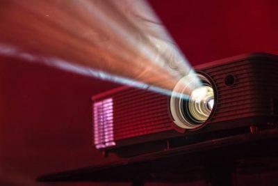 6 Best Art Projectors for drawing and tracing: Digital and Opaque art projectors