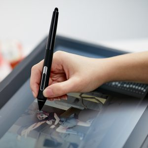 drawing surface (matte and textured) - Wacom Cintiq 16