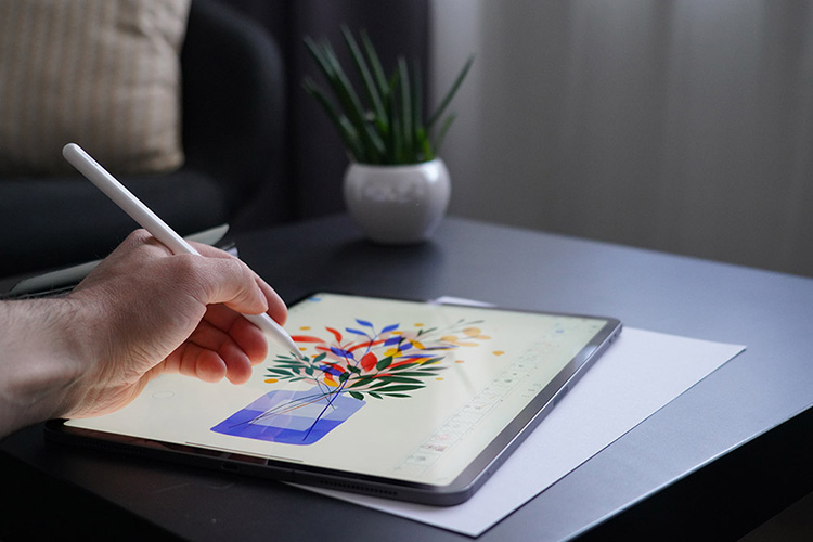 Artist Compares: Apple iPad Pro vs Microsoft Surface Pro 7 for drawing
