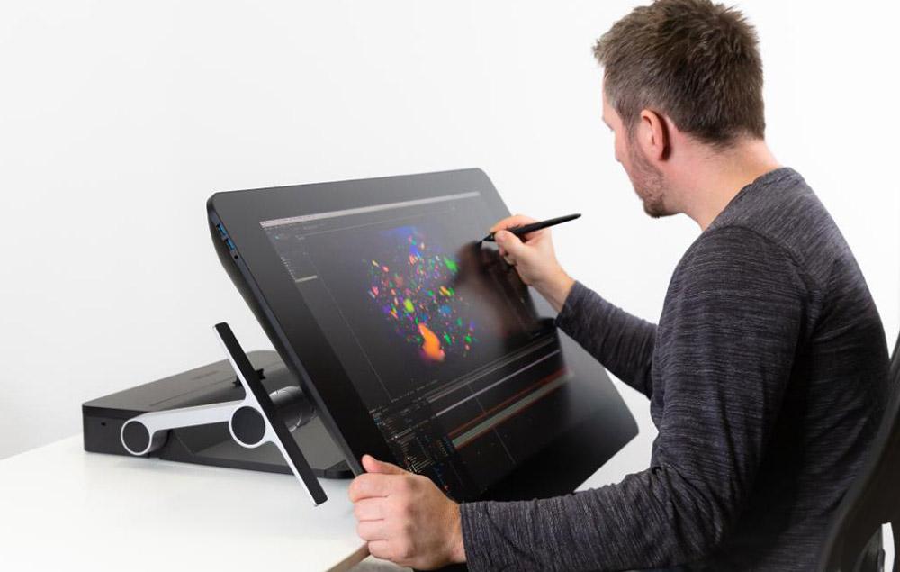 wacom ergo stand in desk mode